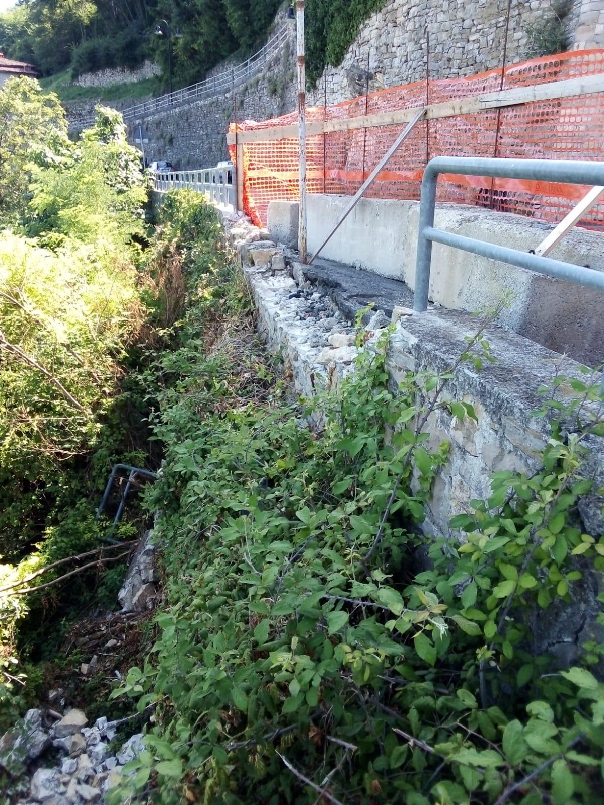 Ripristino arredo urbano post incidente Gandosso (Bergamo) - lavori 2